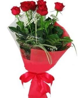 5 adet kırmızı gülden buket  Gümüşhane çiçek , çiçekçi , çiçekçilik
