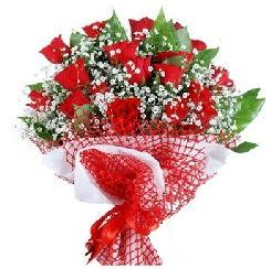 11 kırmızı gülden buket  Gümüşhane İnternetten çiçek siparişi