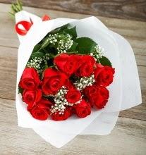 9 kırmızı gülden buket çiçeği  Gümüşhane çiçek siparişi vermek