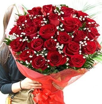 Kız isteme çiçeği buketi 33 adet kırmızı gül  Gümüşhane çiçekçiler