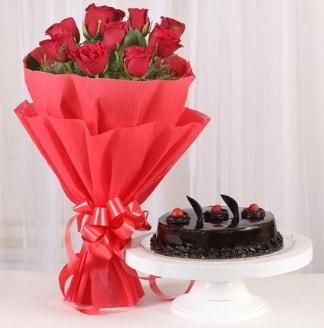 10 Adet kırmızı gül ve 4 kişilik yaş pasta  Gümüşhane çiçek online çiçek siparişi