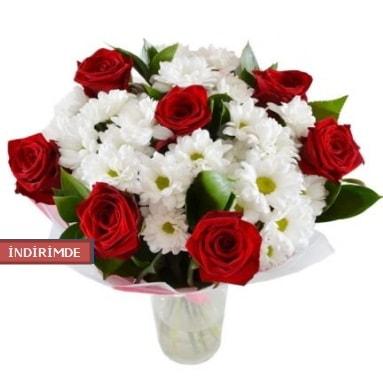 7 kırmızı gül ve 1 demet krizantem  Gümüşhane çiçekçiler
